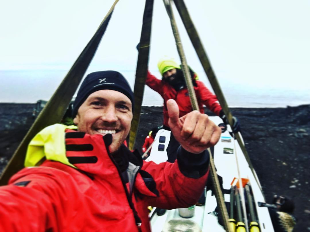 Deportista muestra cómo quedaron sus manos tras viajar al ártico
