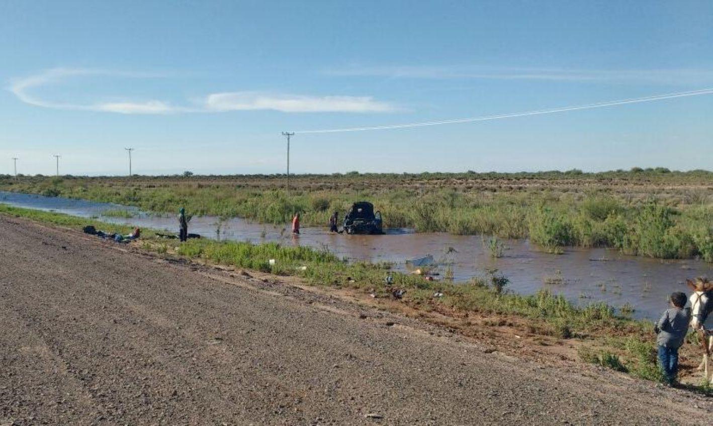 Terrible accidente: Una camioneta volcó en la Ruta 20