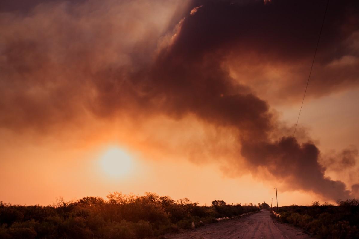 Casi 900 personas afectadas para combatir los incendios en el sur