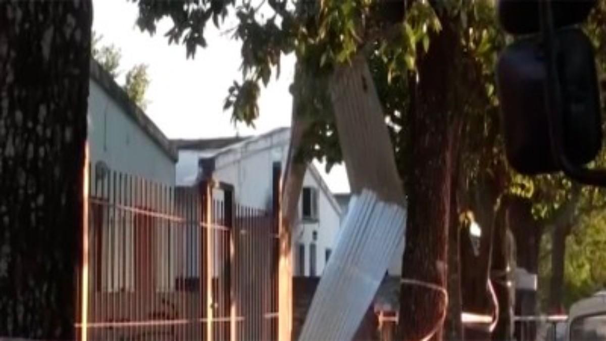 Jubilado prendió la tele y explotó su casa: así quedó