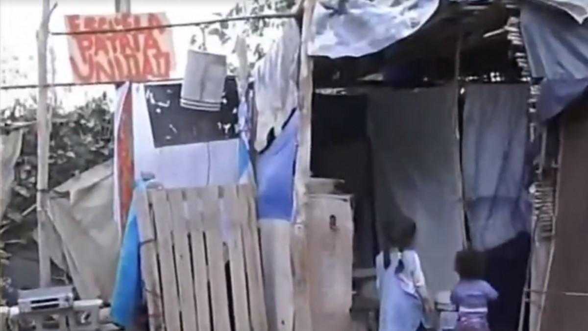 Tiene 12 años y fundó su propia escuela en el patio de la casa de su abuela