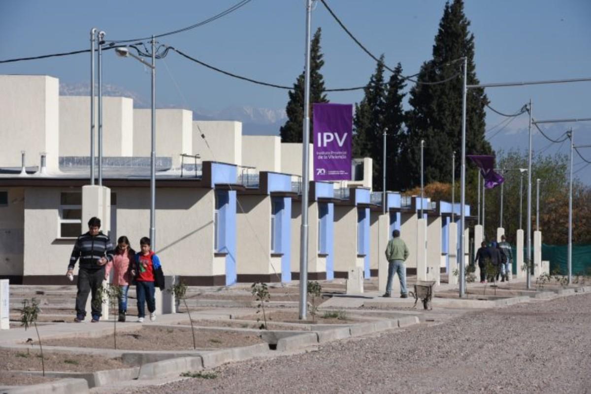 El IPV licitará los primeros 9 barrios del Mendoza Construye - Canal ...