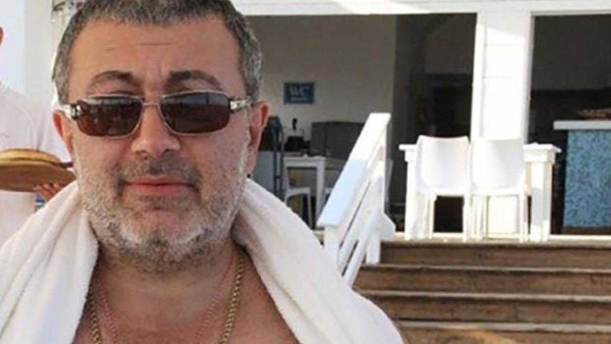 Mafioso habría sido asesinado por sus 3 hijas cansadas de sus abusos