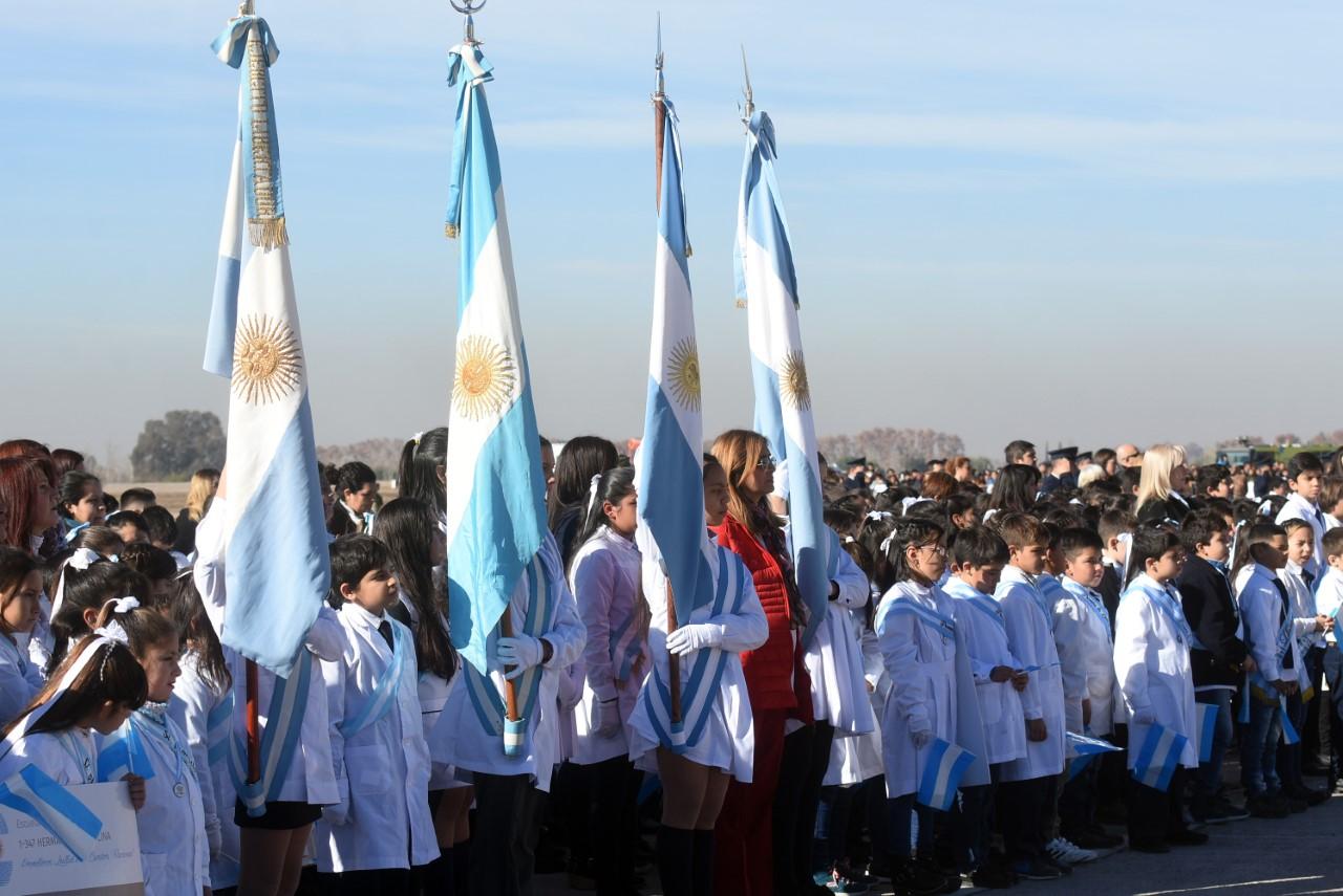 1560965971337Ni%C3%B1os-Mendoza-Jura-Lealtad-Bandera