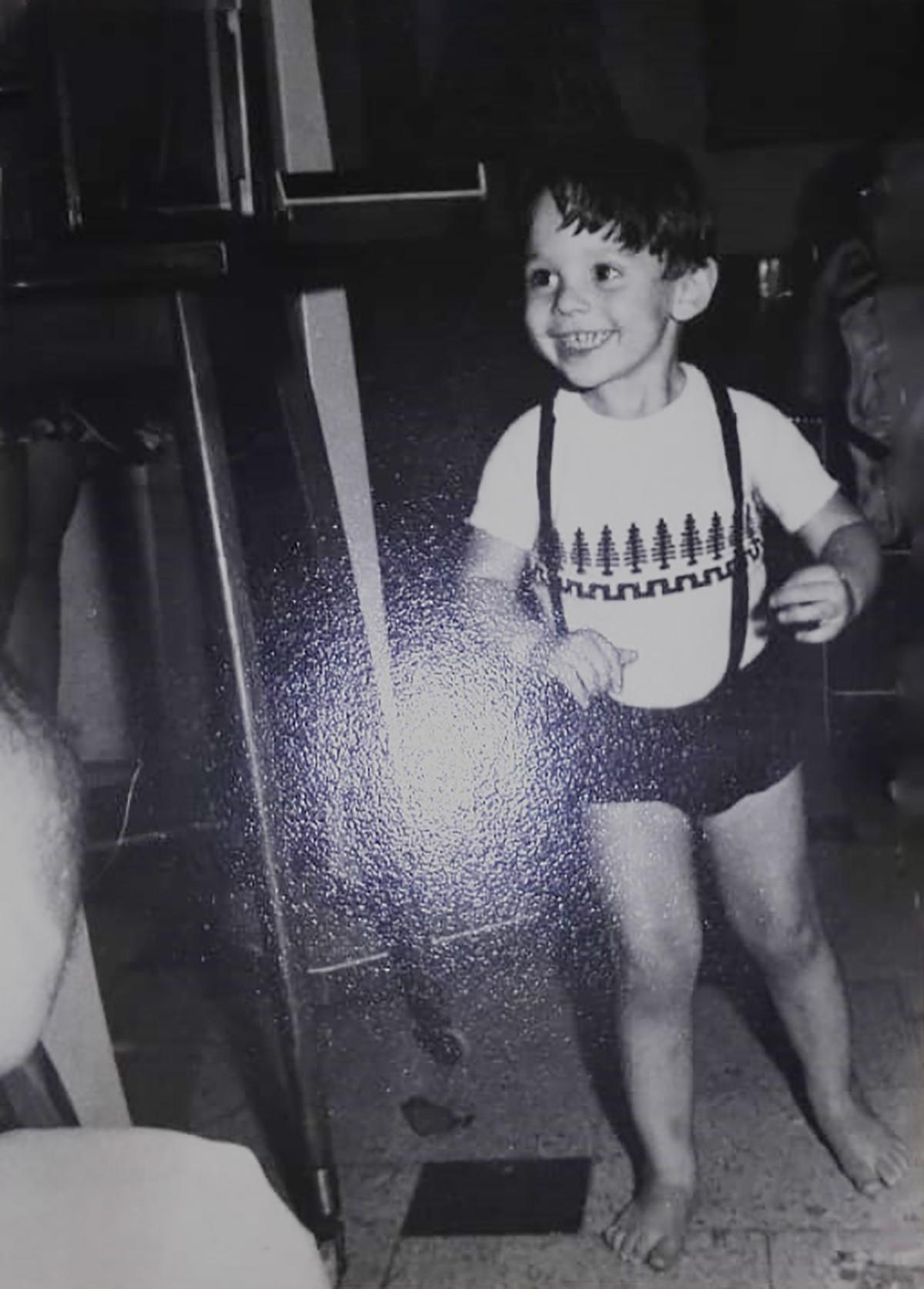 Foto de fernando hidalgo de niño canal 9 mendoza